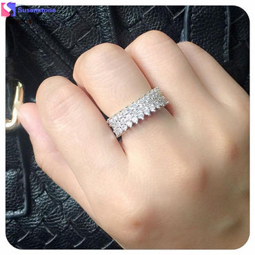 Beautiful Clear Crystal Ring