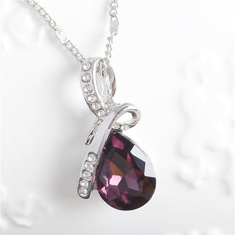Very pretty Austrian Crystal Necklace & Pendant
