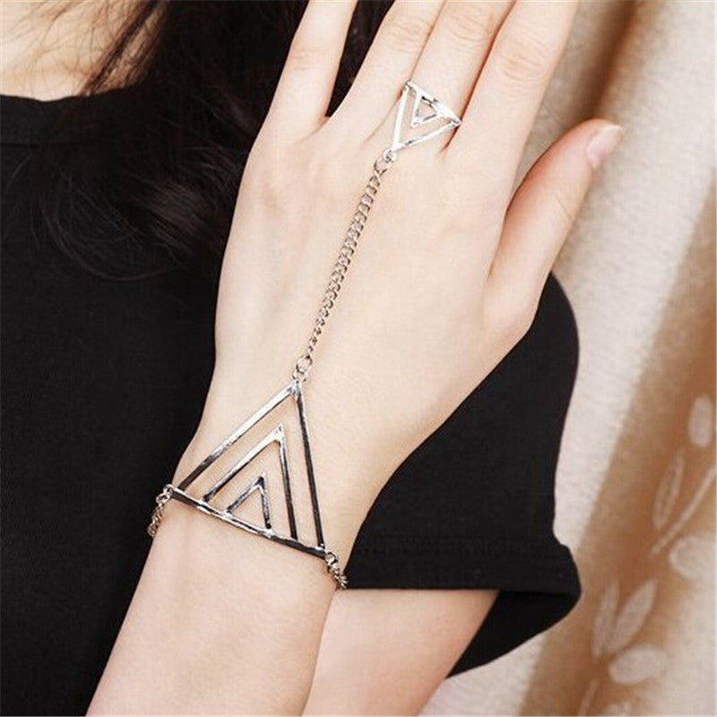 Fashion Hollow Triangle Bracelet - Steampunk