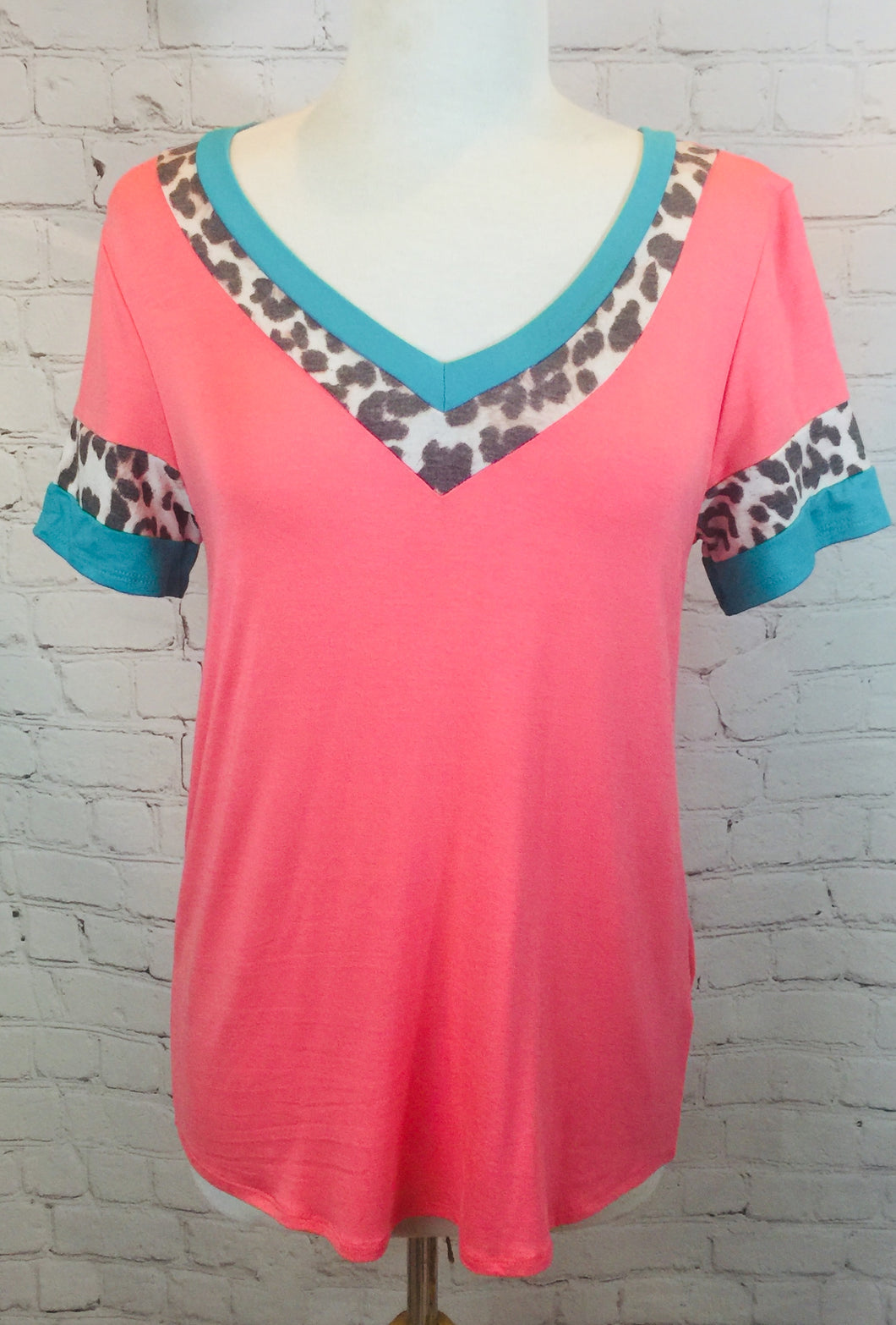 Coral and Leopard v top
