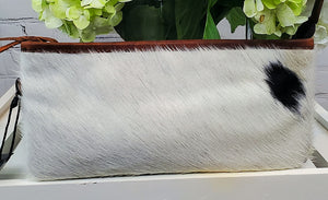 Leather wristlet handbag