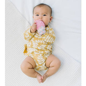 Image of child using Itzy teething Mitt