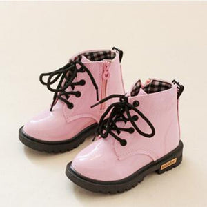 2017 New Spring Baby Waterproof Shoes Martin Boots Girls Boys Patent Leather Rubber Boots Children Sneakers Kids Black Botas