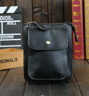 Korean version of the new retro-style shoulder bag diagonal packet influx of male casual man bag crazy horse