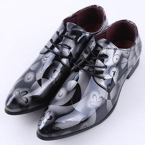 Bright Leather Men Dress Shoes Brand Fashion Groom Wedding Shoes  Flowers Print Pointed Toe Lace Up Men Business Shoes 38-48