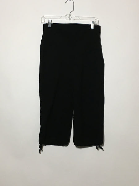 Stretchy Black Capri