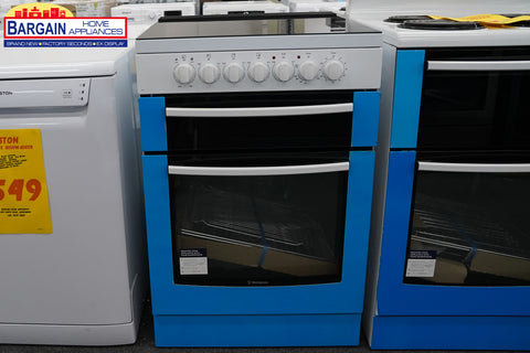 Westinghouse WFE647WA White 60cm Electric Oven with Ceramic Hob