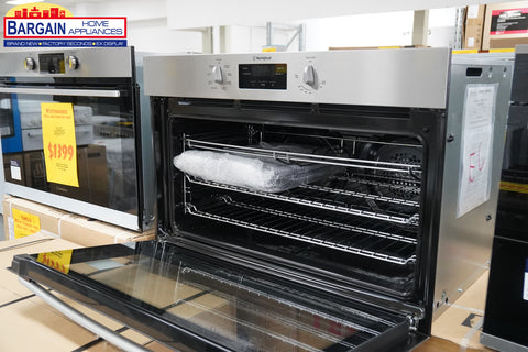 Westinghouse WVE914SB 90cm Electric Underbench Oven