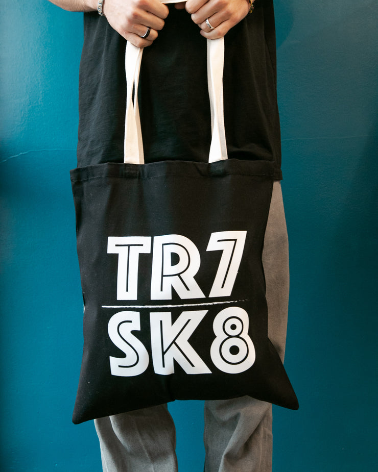 TR7 SK8 Tote Bag - TR7 SKATE | LOCAL SKATE SHOP IN NEWQUAY | SKATER OWNED