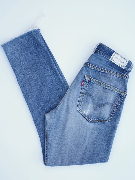 0029 High Rise Cropped Leg Remade Jean