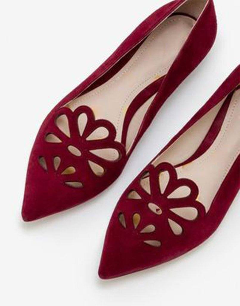 Cutwork Maroon Graceful Ballerina