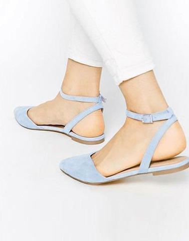 Chic Snowy Blue Buckle Flat