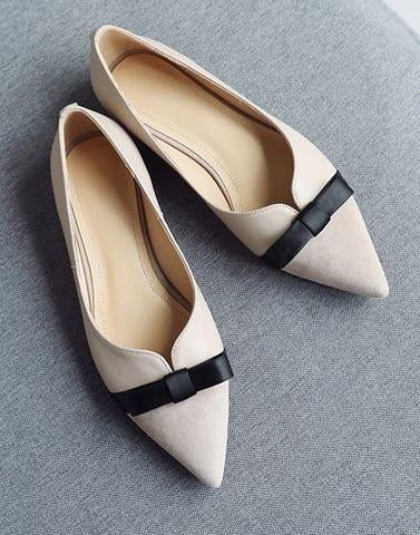 Bombshell Light Cream Ballerinas