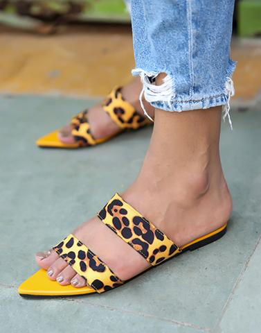 Sharp Point Leopard Flats