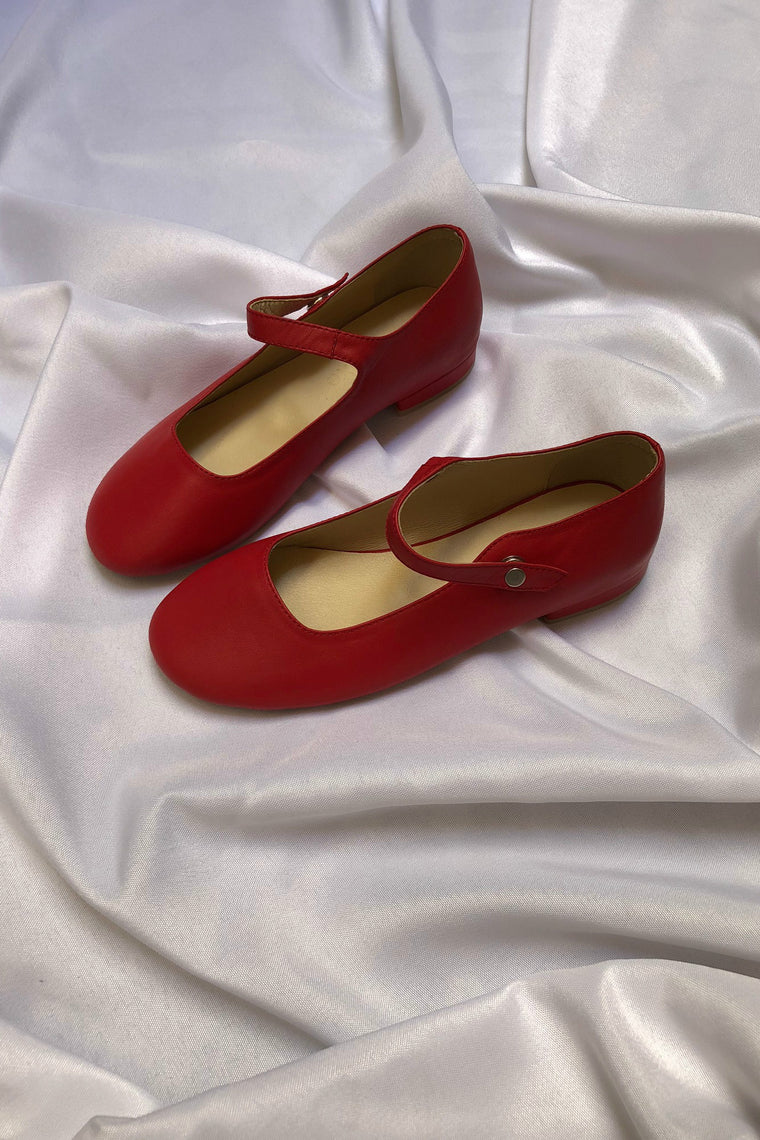Leather ballet flats with strap Red
