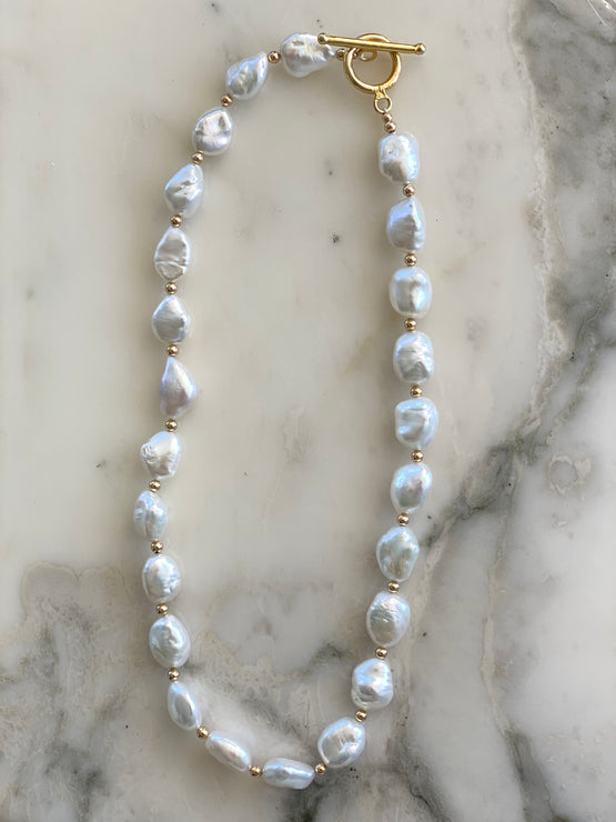 Cala Baroque Pearl necklace