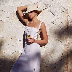 girl wearing Manaos toquilla straw hat