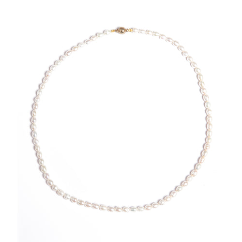 ONLY ONE LEFT - EXCLUSIVE Pearly Pearly necklace