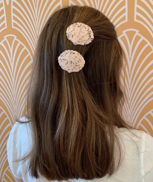 Baby Pink Shelly Crystal Clip