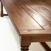 Albany Dining Table