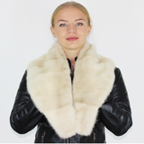 Perl mink collar