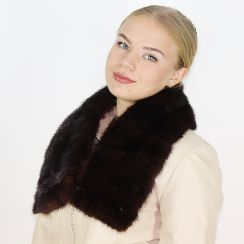 Ranch mink collar
