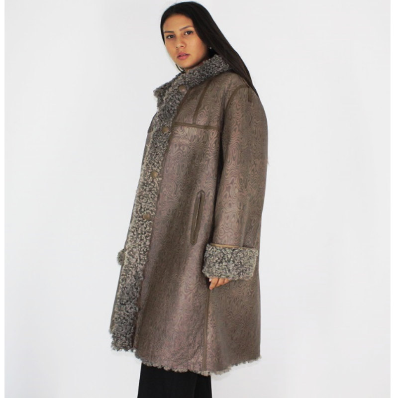 Exclusive Wieckie lamb coat with hood
