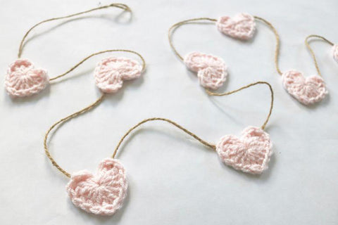 Pale pink Valentine's Day heart farmhouse garland