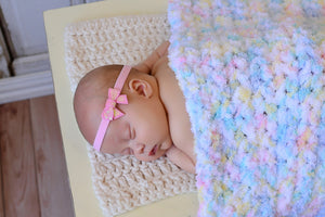 "33"" x 33"" White Pastels Terry Cloth Baby Blanket"