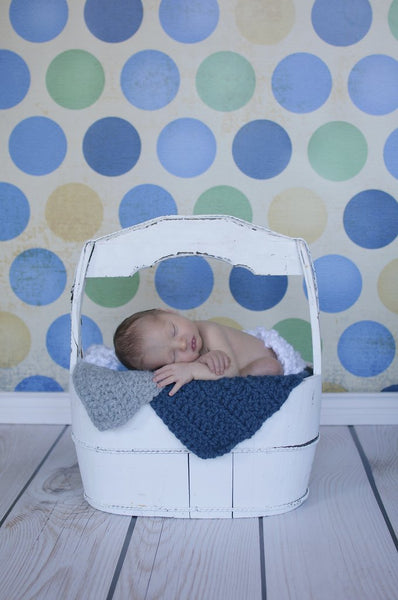 Light gray newborn baby layering bump blanket
