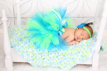 "33"" x 33"" Aqua Blue, Lime Green, & White 