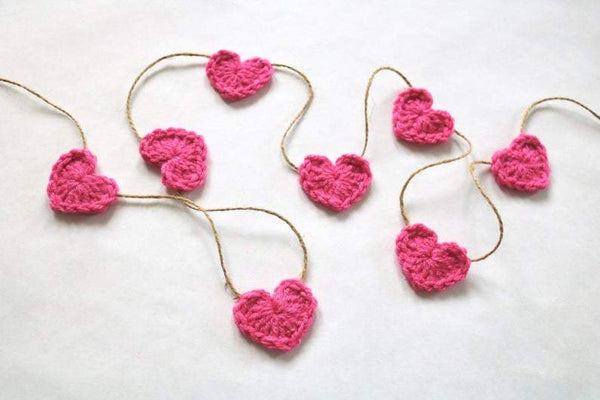 Dark pink Valentine's Day heart farmhouse garland