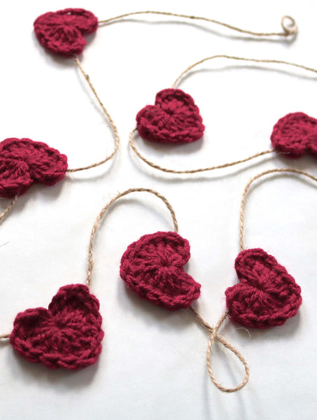 Red wine Valentine's Day heart farmhouse garland by Two Seaside Babes