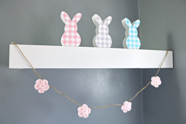 Pale pink Spring & Easter flower farmhouse garland