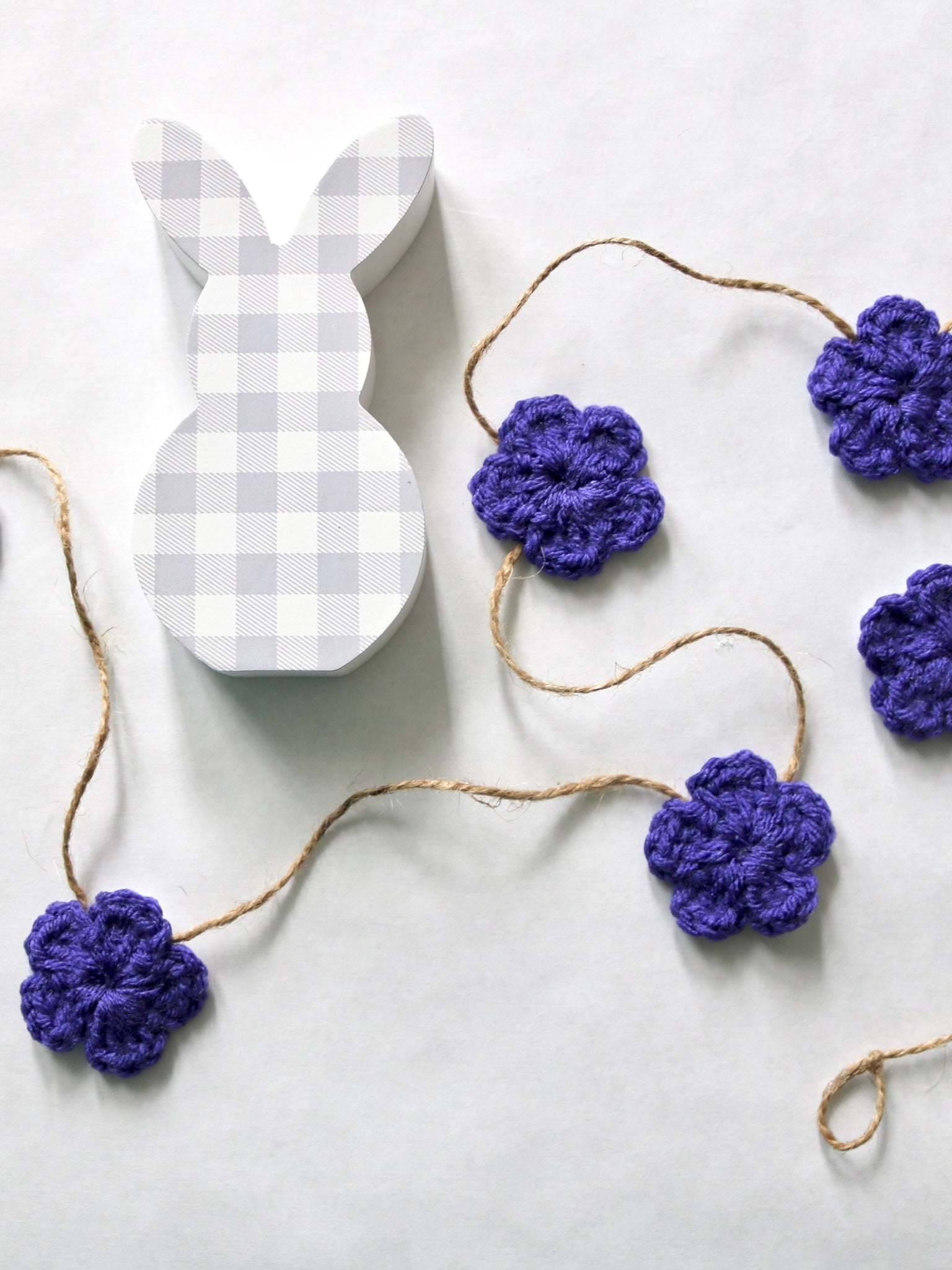 Purple Spring & Easter flower farmhouse garland by Two Seaside Babes