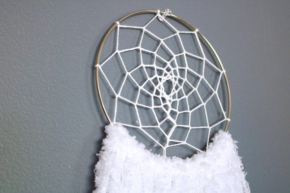 "20.5"" White Yarn Dream Catcher"