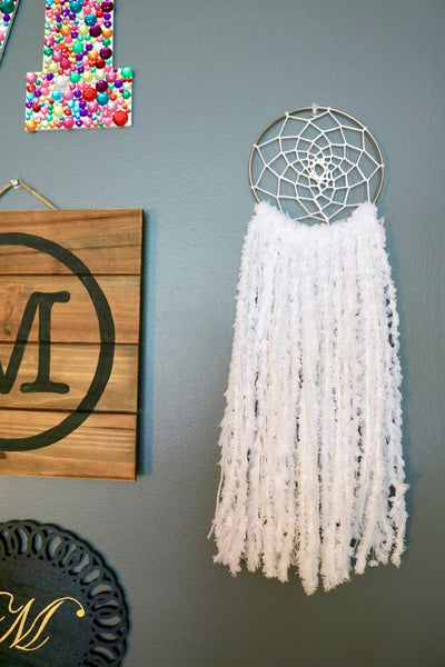 "17.5"" White Yarn Dream Catcher"