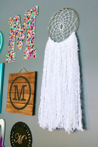 "25"" White Yarn Dream Catcher"