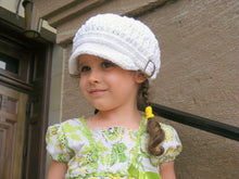 2T to 4T Toddler White Buckle Newsboy Cap