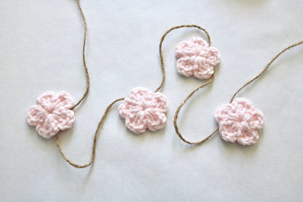 39 colors Spring & Easter flower farmhouse garland - pale pink