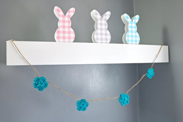 Turquoise blue Spring & Easter flower farmhouse garland