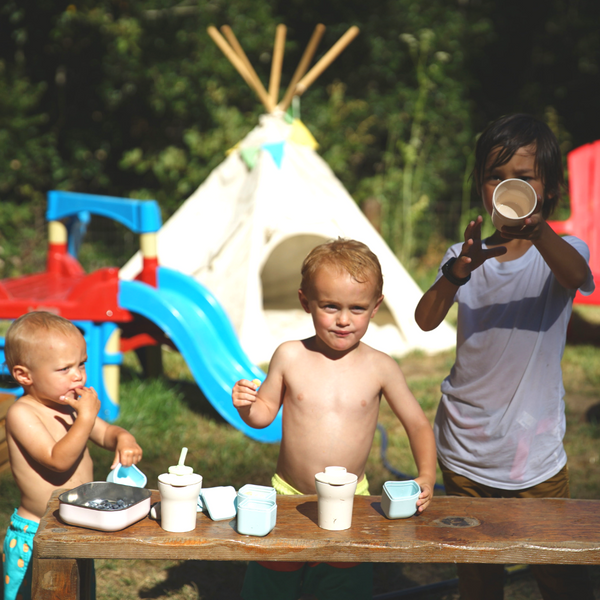 importance of outside play in early childhood photo