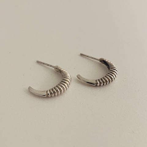Ribbed Crescent Earring