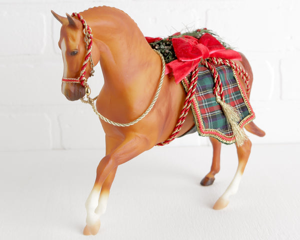 Breyer Holiday Hunt 2000 Holiday Horse at Lobster Bisque Vintage