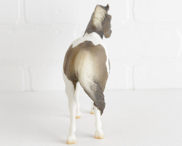 Breyer Grulla Pinto Misty at Lobster Bisque Vintage