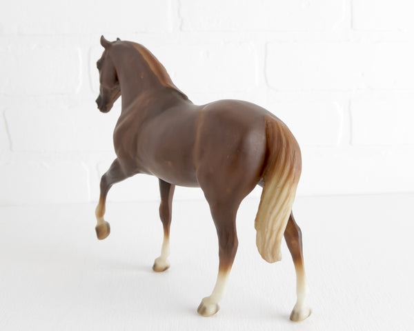 Breyer Dappled Chestnut Tobe Rocky Mountain Horse at Lobster Bisque Vintage