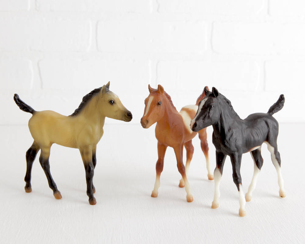 Breyer Scribbles, Chincoteague Foal, and Sure Fire Conga on Sea Star Mold at Lobster Bisque Vintage