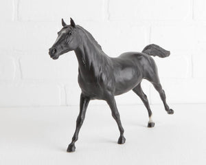 Breyer Native Diver Black Thoroughbred at Lobster Bisque Vintage