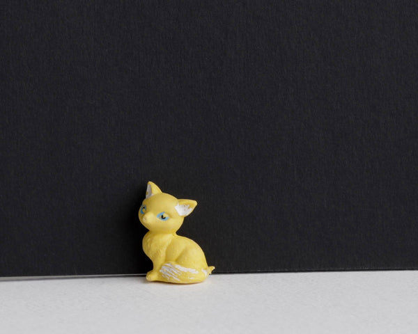 Little Yellow Sitting Kitty at Lobster Bisque Vintage