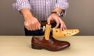 How to Use a Shoe Stretcher - Detailed Instructions by the Experts